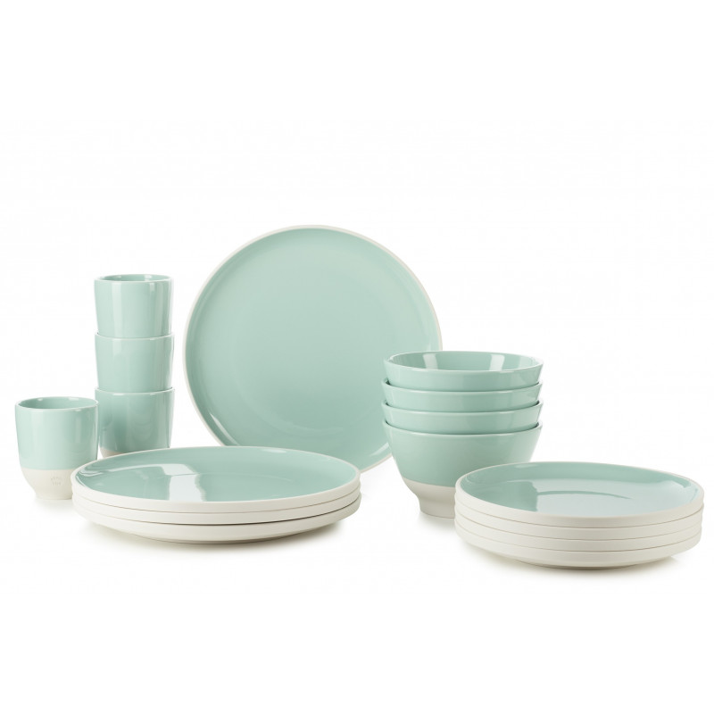 Set Of 16 Pieces Porcelain Green Glaze For An Everyday