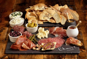 Charcuterie boards make an easy and impressive appetizer - San Francisco Chronic